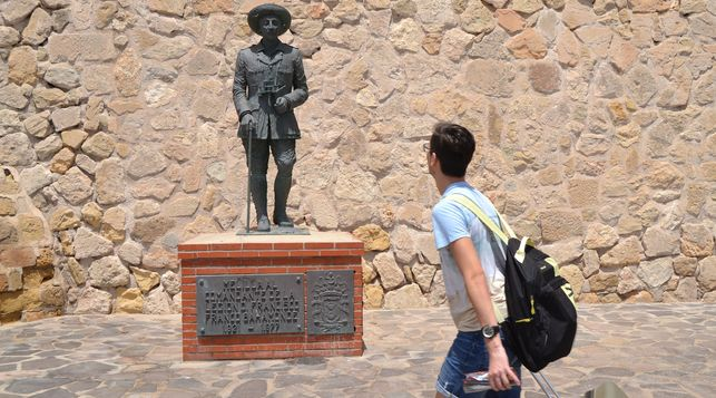 estatua-franco-melilla