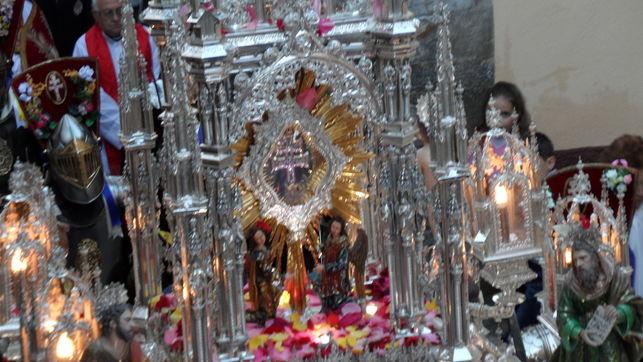 procesion-cruz-carvaca