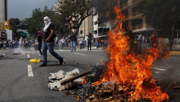 2017-04-19t205716z_86932997_rc1f678e5fb0_rtrmadp_3_venezuela-politics-protests_1718483346