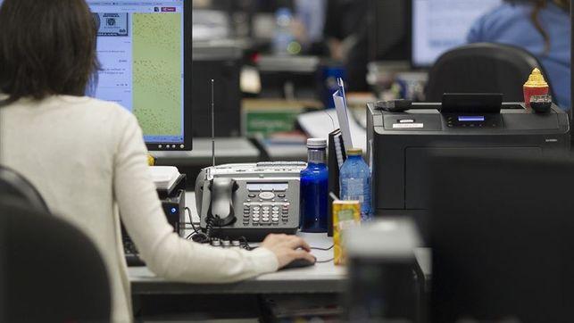 funcionarios-trabajando-europa-press_ediima20150705_0377_4