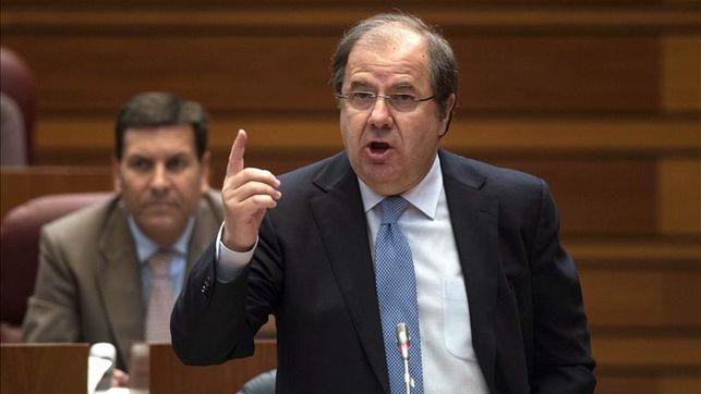 presidente-castilla-leon-farmacos-hospitalarios_ediima20130920_0239_31