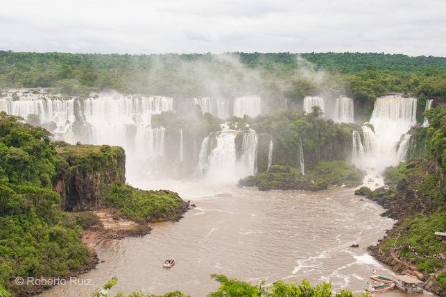 cataratas-iguazu-extienden-metros-selva_ediima20170505_0170_19