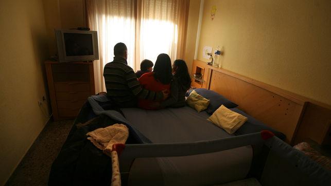 familia-benetusser-afectada-pobreza-energetica_ediima20170203_0799_24