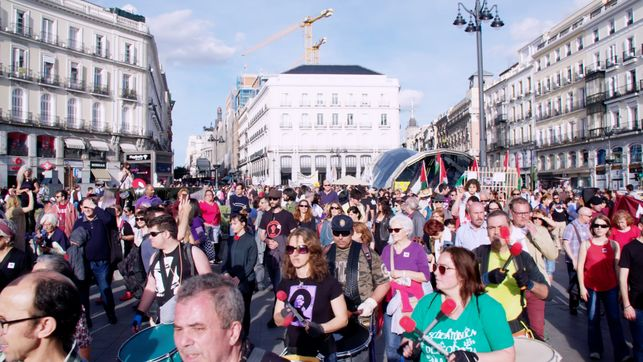 manifestantes-llegada-sol-emblema_ediima20170514_0378_4