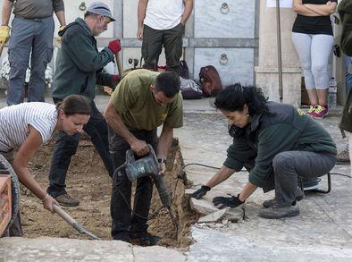 comienzan-exhumacion-centenar-personas-porreres_ediima20161102_0670_19