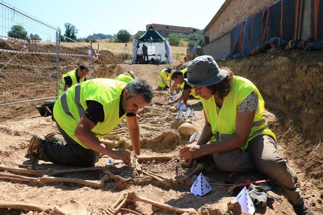 exhumacion-restos_ediima20170621_0603_5