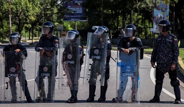 maduro-felicita-fuerza-armada-terrorista_ediima20170806_0272_20
