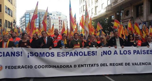 manifestacion-anticatalanista-valencia_ediima20171111_0297_24