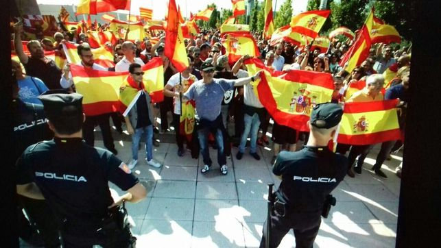 ultras-puertas-concentracion_ediima20170924_0259_25