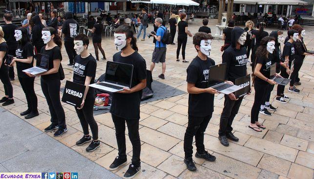 performance-activistas-antiespecistas-bilbao_ediima20180810_0153_19