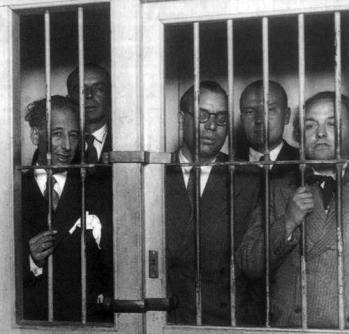 1934-gobierno-de-la-generalitat-de-cataluc3b1a-encarcelado-bn