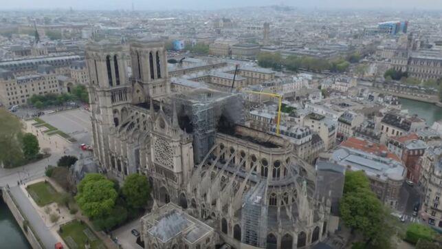 catedral-notre-dame-vista-dron_ediima20190418_0331_19